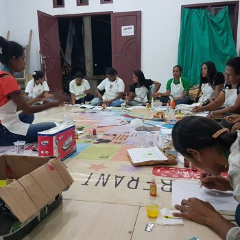 Mari Mengajar Kreatif Bersama Guru PAUD di Pulau Seira