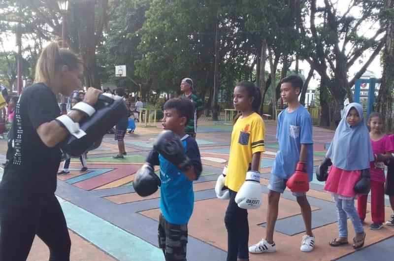 Workshop Kickboxing bersama adik-adik Study Group Heka Leka
