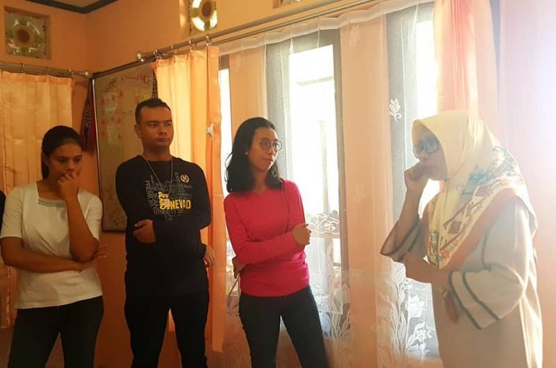 Kelas Teater bersama Tante Nel Lekatompessy dari DELTADUA