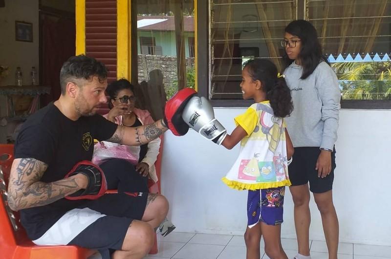 Kickboxing Class di Negeri Paperu.