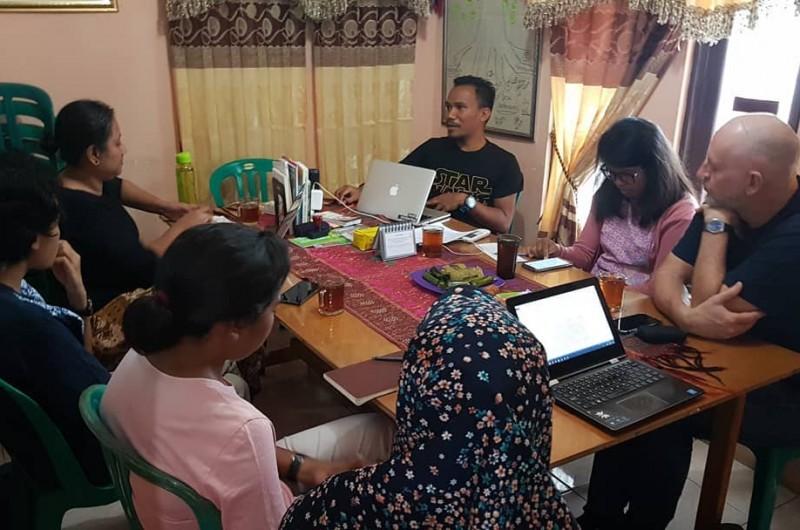 Kunjungan Kakak Diah Kusumaningrum @diahkei, Simon dan Cory dari Gabungan beberapa lembaga Unversitas dan Dunia Perfilman.