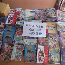 Sumbangan Buku Dari One Hope Indonesia
