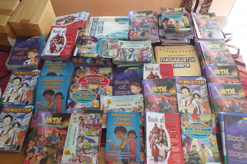 Sumbangan Buku Dari One Hope Indonesia