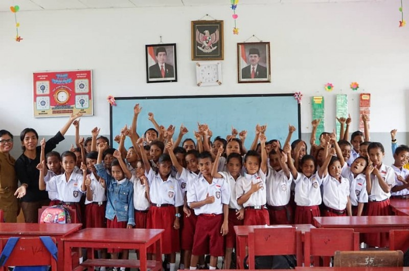 Goes To School di Pulau Saparua.